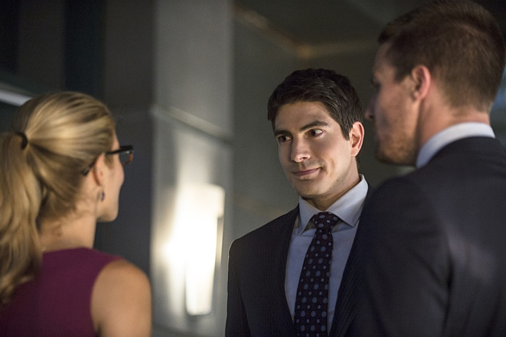 arrow-season-3-premiere-brandon-routh-ray-palmer