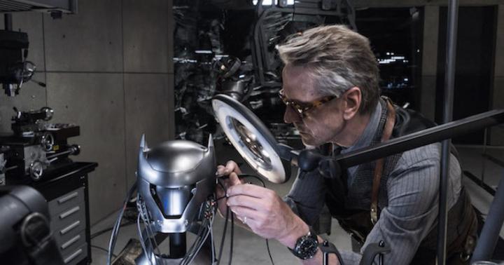 batman-v-superman-dawn-of-justice-batcave