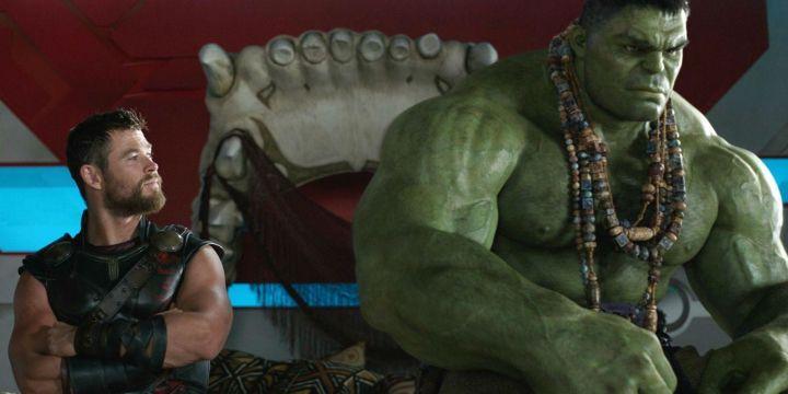 thor ragnarok review chris hemsworth thor mark ruffalo hulk