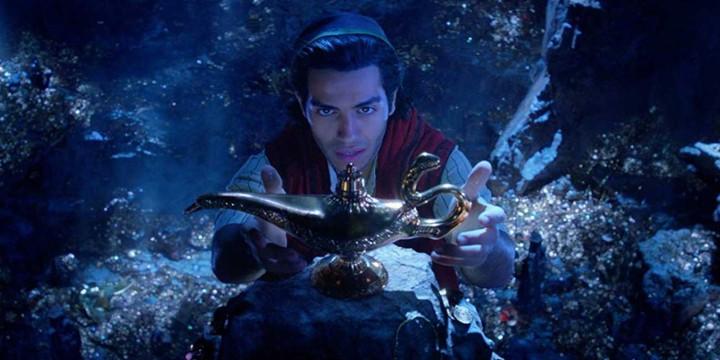 Aladdin Retrives The Lamp