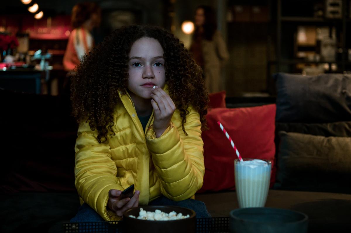 Gunpowder Milkshake Emily has a snack